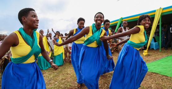 Rwanda_women-dancing-Sarah-Farhat-World-Bank