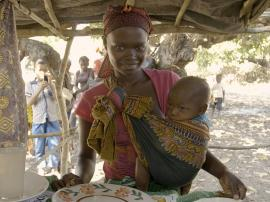 A young woman with her child in Mozambique